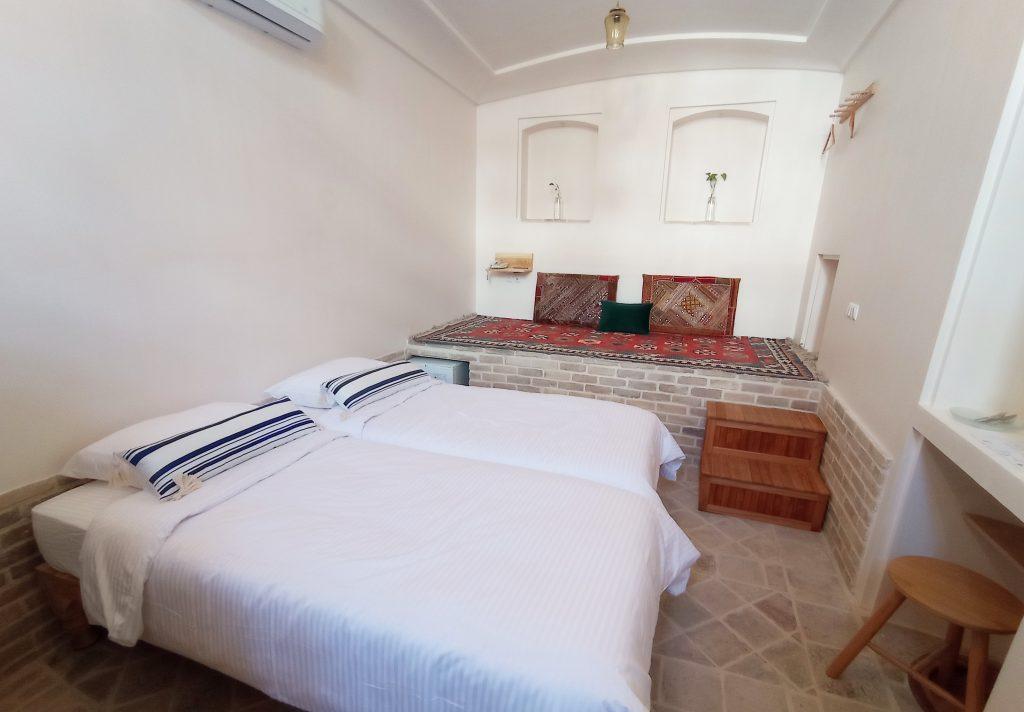 Hayat room 1